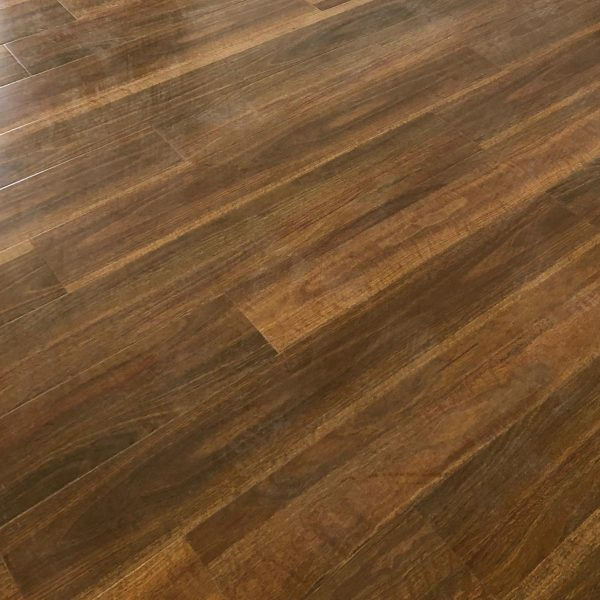 Spotted Gum 20932-1 12mm Gloss Laminate | Tanoa Flooring