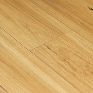 Blackbutt 8016-11 12mm Longboard Laminate | Tanoa Flooring