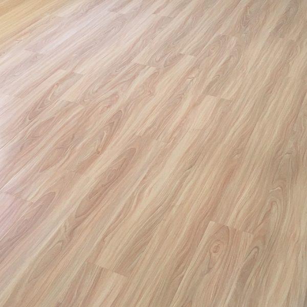 White Gum YD1086 12mm Longboard Laminate | Tanoa Flooring